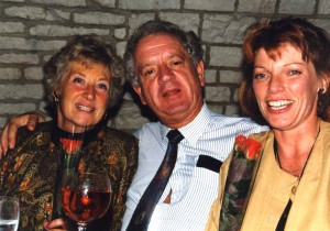 Glyn Morton with Sheila Barry (L) and Jenny Lunenburg (R)