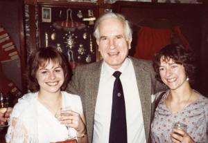Neil Smith with Jane Niesigh (R) and Wendy Worley (L)