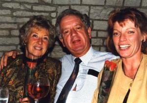 Glyn Morton with Sheila Barry (L) and Jenny Lunenburg (R)